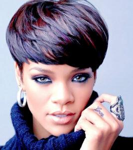 Cantora-Rihanna-Dita-Moda-Nos-Cortes-de-Cabelos-Com-Tons-Vermelhos-1[1]