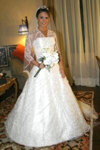 vestidosnoivafamosas f 0361 201x300 - Vestidos de Noiva das Famosas