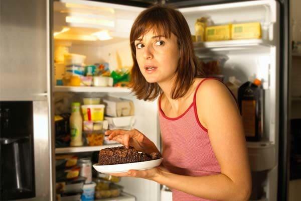 comer muito a noite realmente faz mal - Comer À Noite Engorda?