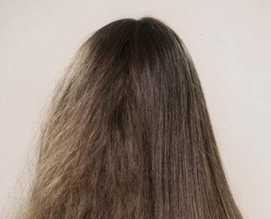 cabelo com frizz Truques para reduzir o frizz