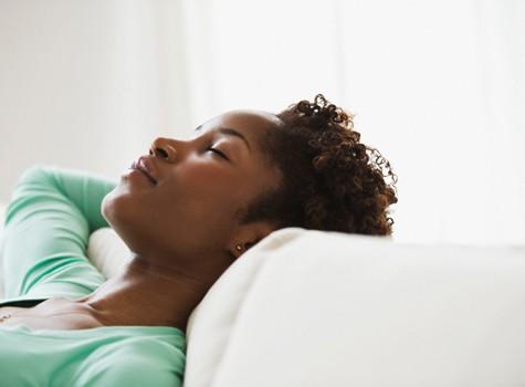 black-woman-sleeping-475x3501