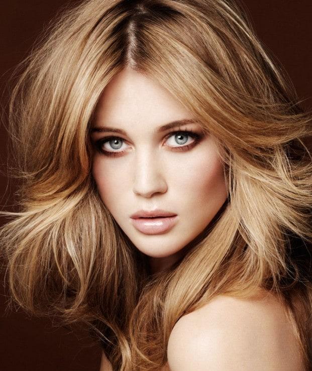cabelos loiros 860x1024 O Que Fazer Quando o Cabelo Tem Mechas Platinadas e Alaranjadas?