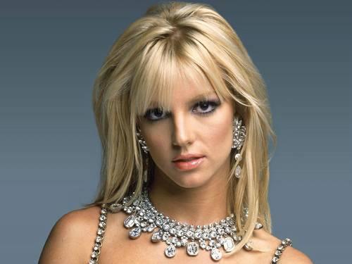 segredos maquiagem britney Conheça os segredos de maquiagem de: Angelina Jolie, Britney Spears e Gisele Bündchen