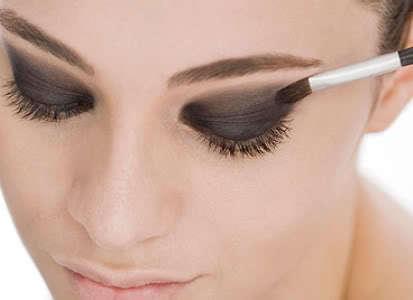 Truques para a maquiagem durar mais tempo3 Como Fazer a Maquiagem Durar Mais no Calor?