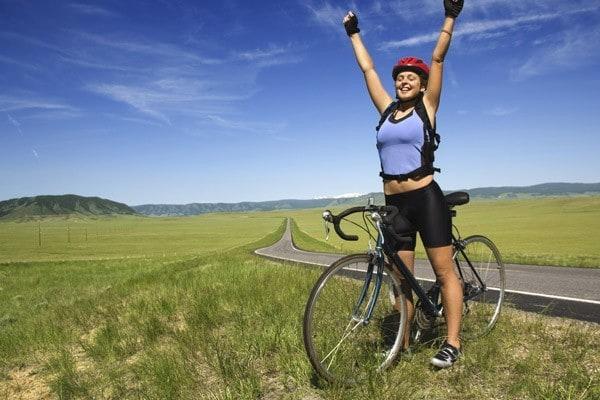 andar bicicleta - Andar de bicicleta seca barriga e deixa pernas definidas