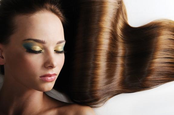 content iStock 000010546736Small - Cabelos: cuidados para manter a cor e o brilho