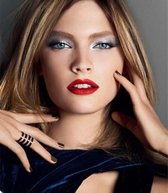 maquiagem-inverno-boca-vermelha-olho-preto-copia