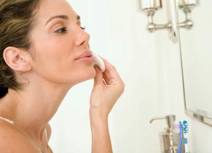 Como Remover Maquiagem 011 Especial para mulheres de 40 a 50 anos: cuidados básicos com a pele