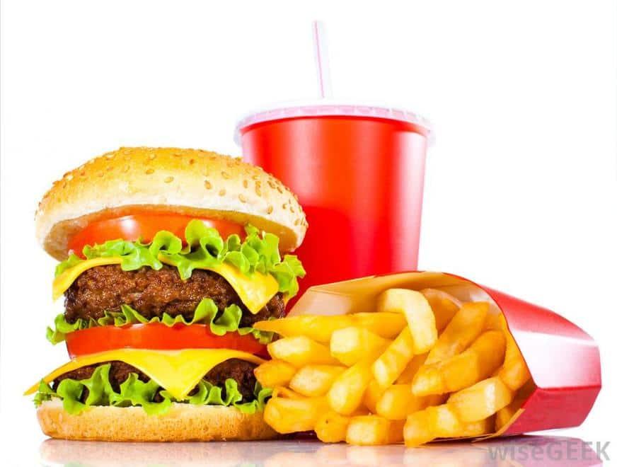 fast food - Alimentos que prejudicam o desempenho do cérebro