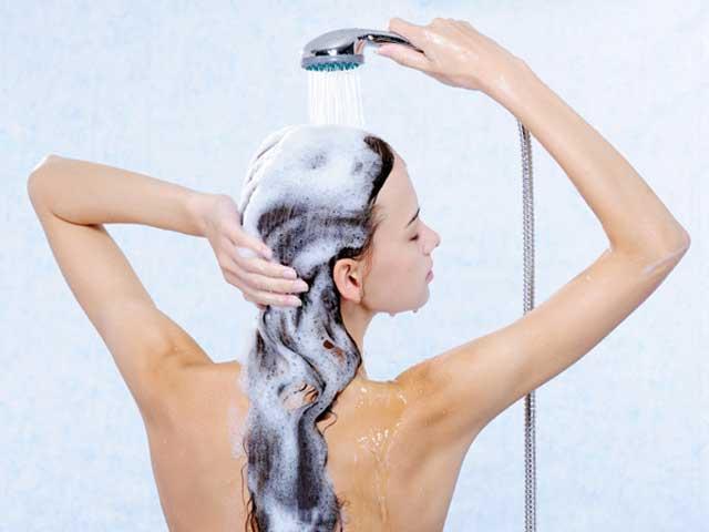 lavando cabelo - Saiba como estar sempre cheirosa