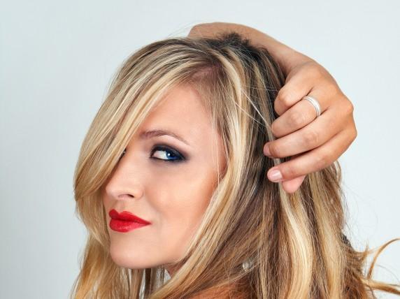 Como apagar as raízes dos cabelos?
