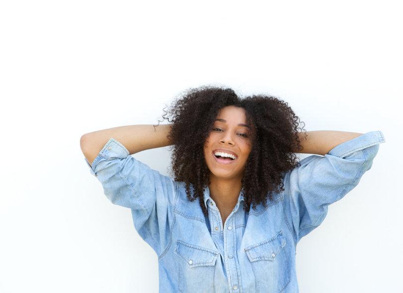 Dicas para você cuidar dos seus cabelos cacheados em casa!
