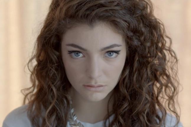 cabelos em cachos 3A cantora Lorde
