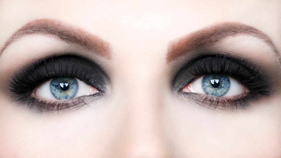 iStock 000026918854 Small - Olhos caídos - Maquiagem para arrasar!