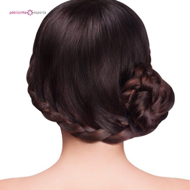 belos penteados para madrinha de casamento